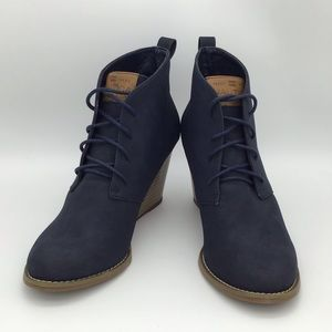 Sz. 6.5 Wedged Boot Heels Dark Blue/ Black